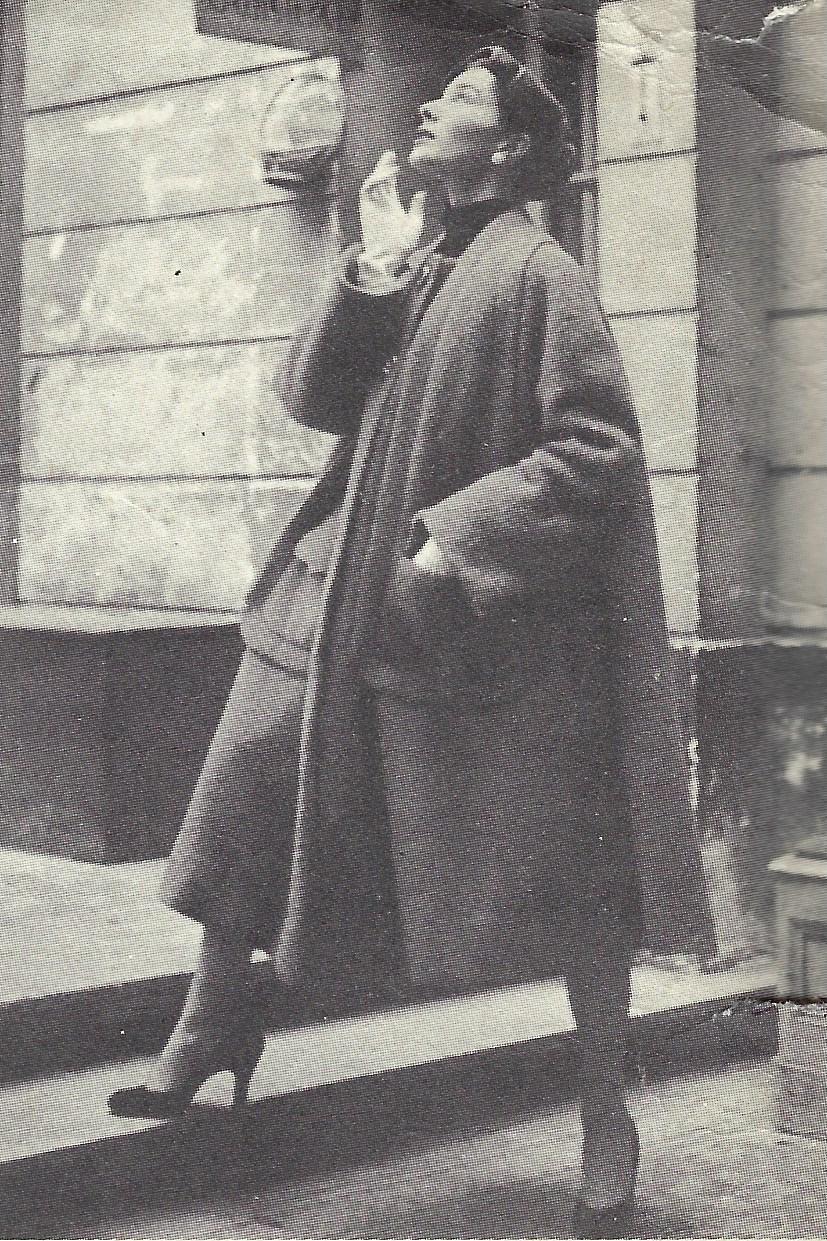 "1832 By Schiaparelli 1957 Vintage VOGUE Sewing Pattern COAT Medium  B32-34/"""