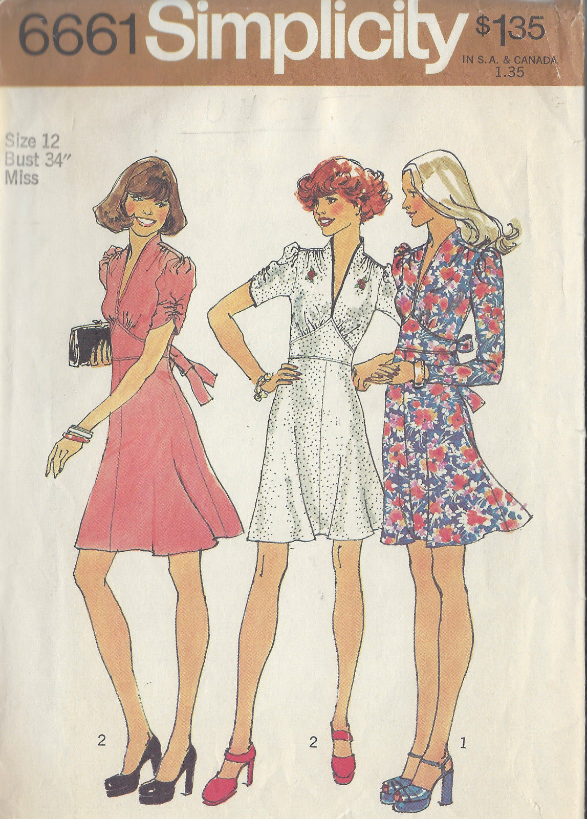 1974 Vintage Sewing Pattern B34 DRESS (1070)